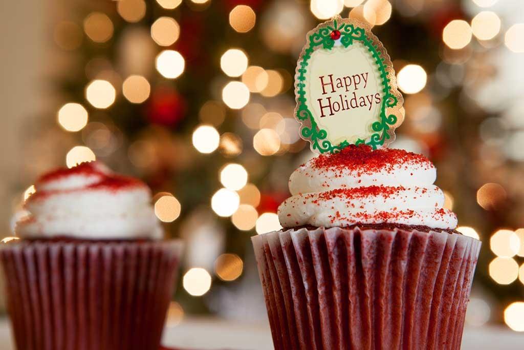 Happy Holidays Cupcake