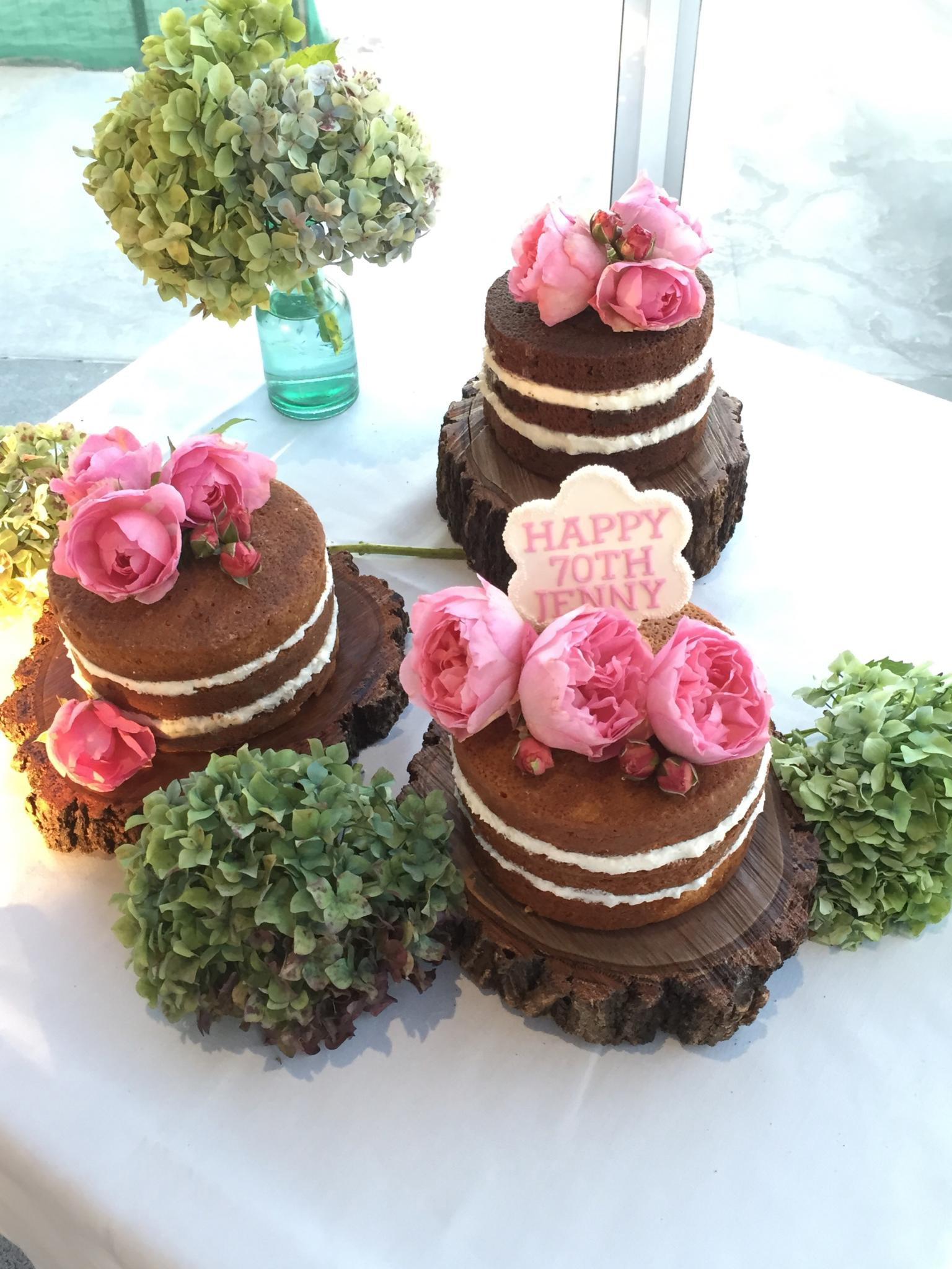 Trio of naked cakes sugarize